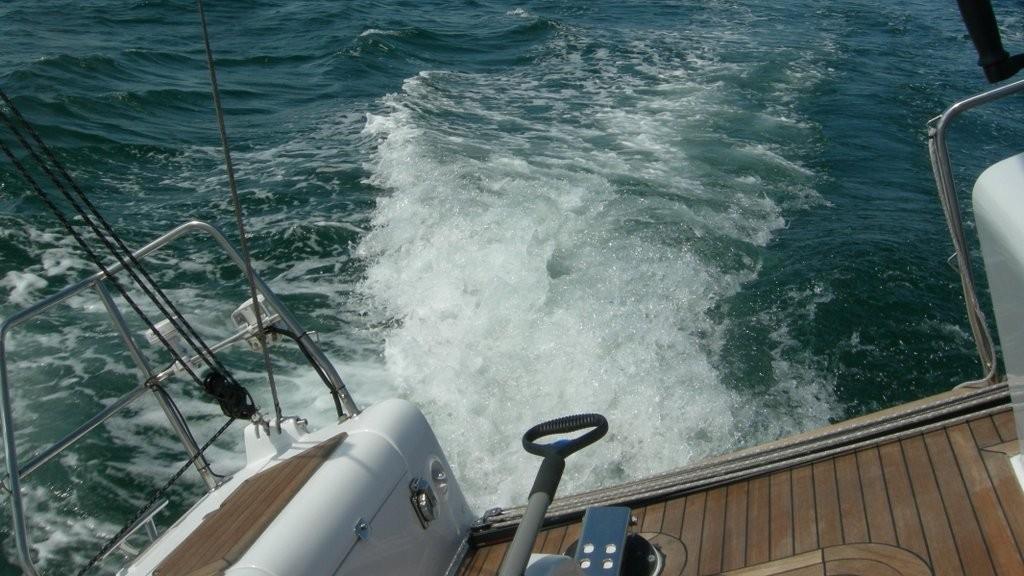 barca vela fast cruiser crociera veloce scia navigazione